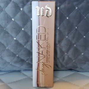 Stay NAKED UD weightless liquid foundation